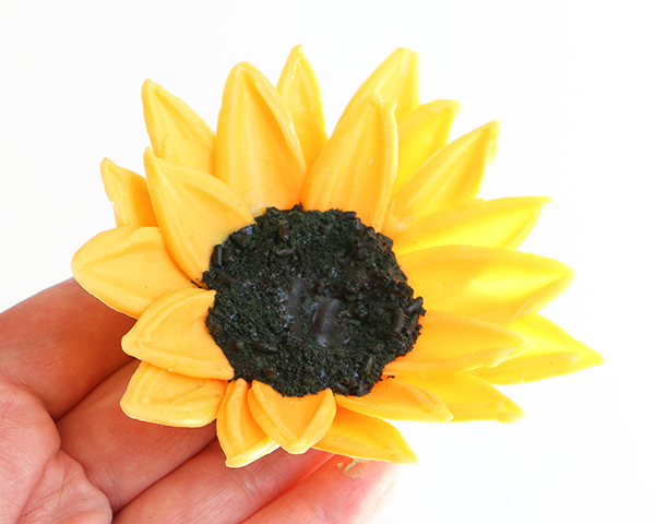 Sunflower Cake - how to make gorgeous sunflower cake decorations using melted chocolate | by Erin Gardner for TheCakeBlog.com