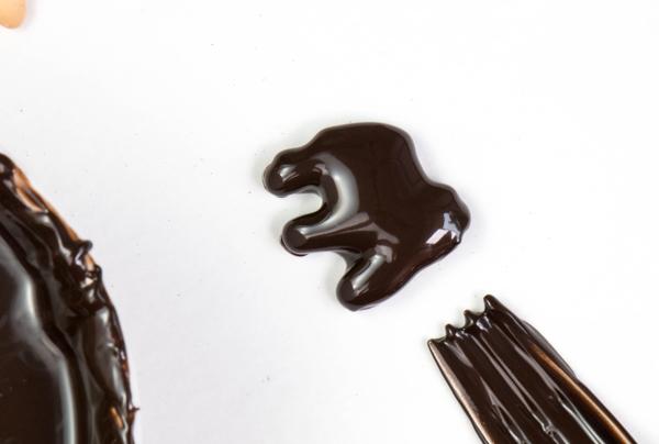 Animal Skeleton Cake made with animal crackers | by Erin Gardner for TheCakeBlog.com