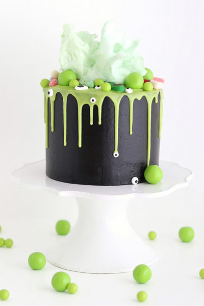 Witch Cauldron Cake